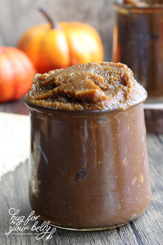 pumpkin butter in glass jar