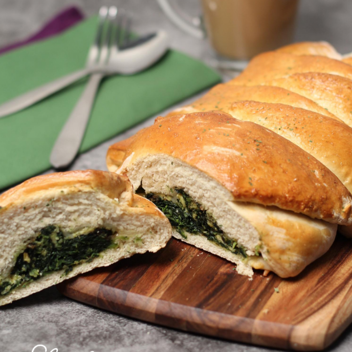Spinach and Cheese Breakfast Braid