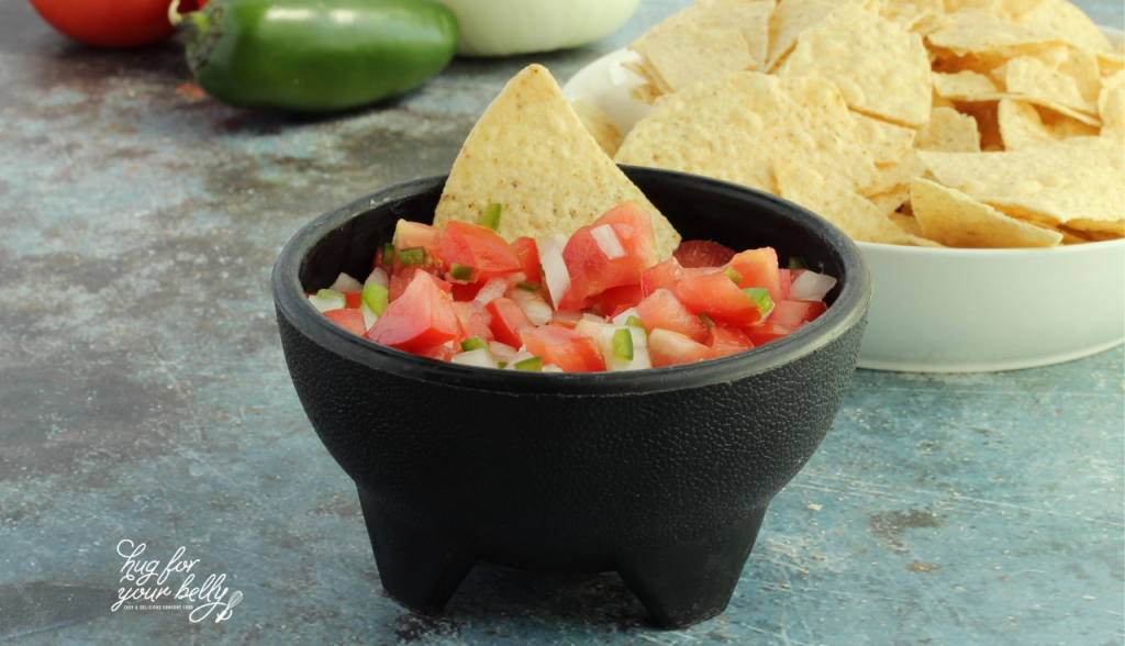 pico de gallo in black bowl