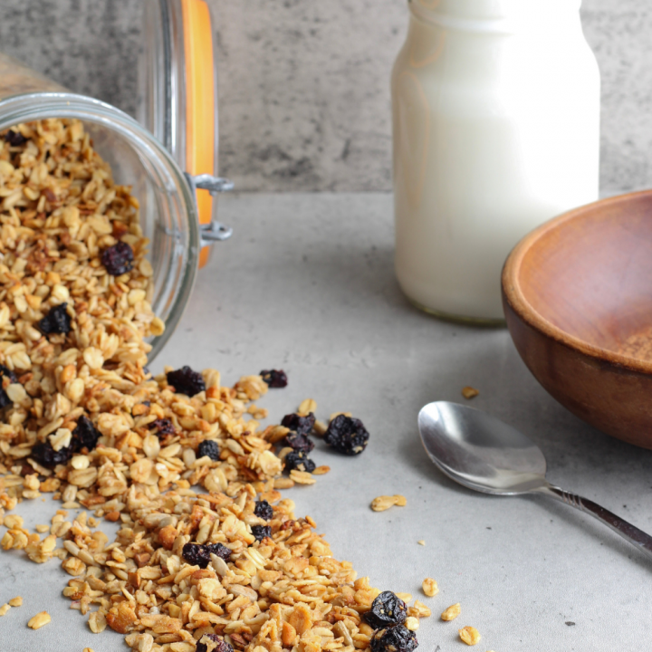 Easy Homemade Granola Recipe